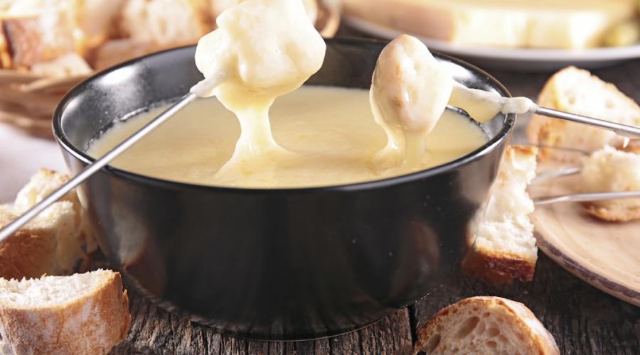La véritable fondue est chez Le Cousin Michel à Thonon-les-bains.
