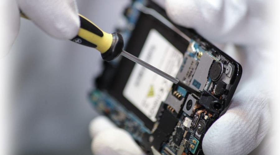 Chablais Télécom, les rois de la réparation des smartphones