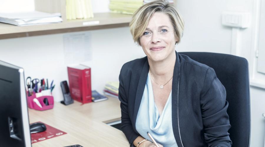 Karine Birraux, Assistante juridique et secrétaire Freelance s'installe forte de sa riche expérience en tant que Clerc de Notaire.