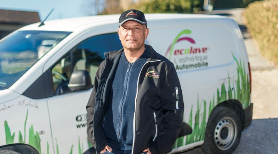 Fabrice Hoareau, de EcoLave, nettoyage de véhicules.