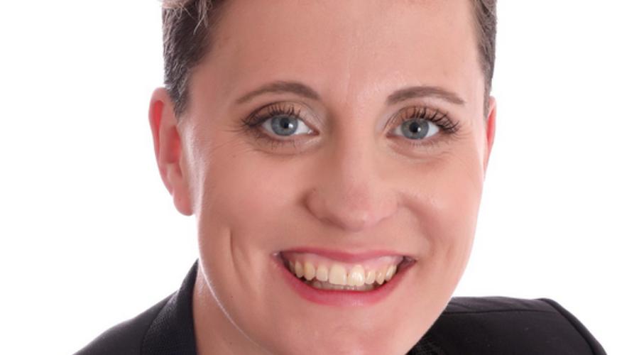 Charlotte Fecelier, Entre Plume et Perle décoratrice évènementielle  à Evian